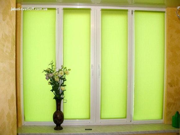 Рулонные шторы Мини салатового цвета